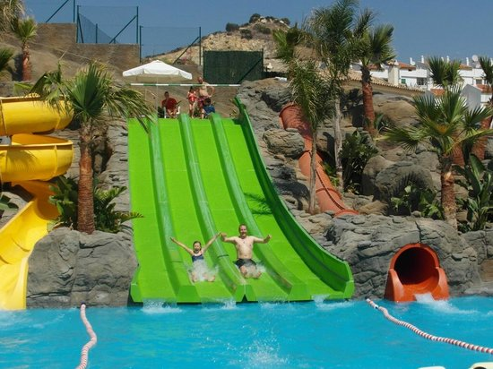Hotel Los Patos Park: pool slides