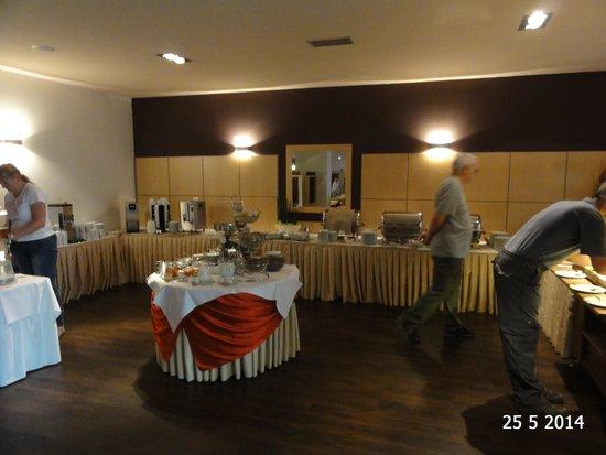 Spa Hotel Felicitas: Breakfast room