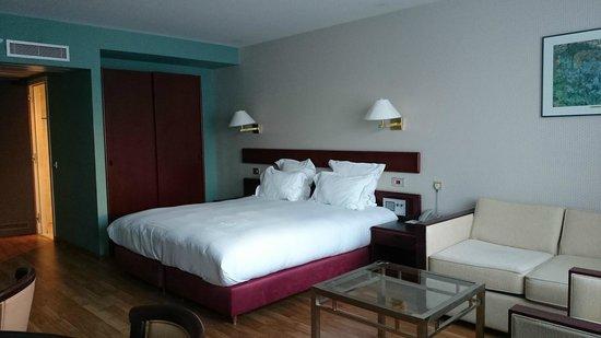 Bedford Hotel & Congress Centre: Notre grande chambre