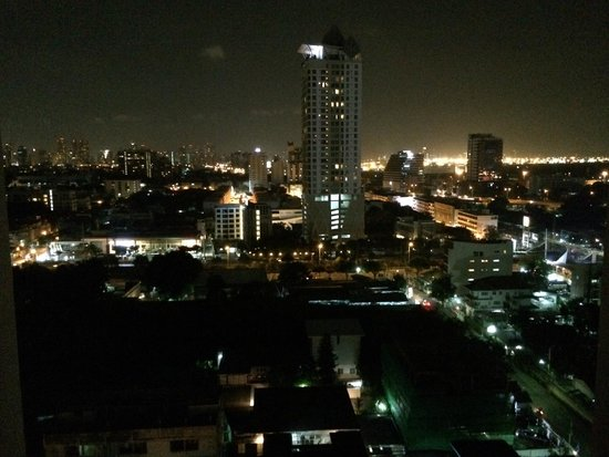 Chatrium Residence Sathon Bangkok : vid s balkona