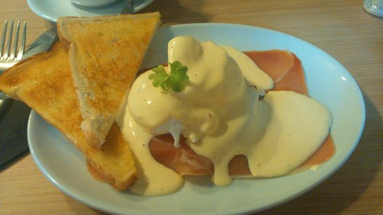 Quay Ingredient: Eggs benedict to die for!