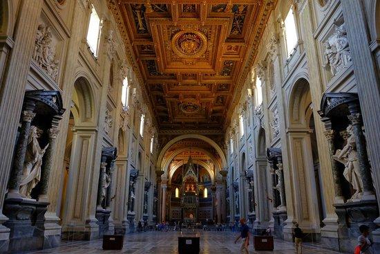 Arcibasilica di San Giovanni in Laterano: the nave