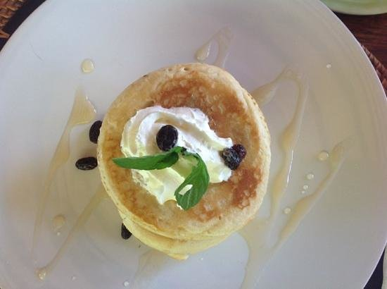 Inata Bisma Resort & Spa Ubud : Drie pannekoeken voor ontbijt