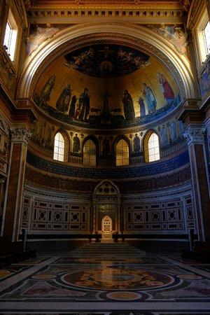 Arcibasilica di San Giovanni in Laterano: the apse mosaics