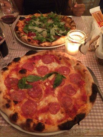 Osteria L'Oca Giuliva: Pizzas excellentes la pâte et la garniture sont à tomber!!!