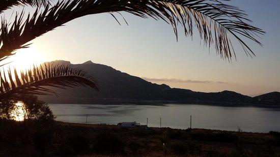 Agios Pavlos Studios: Puesta de sol desde la terraza