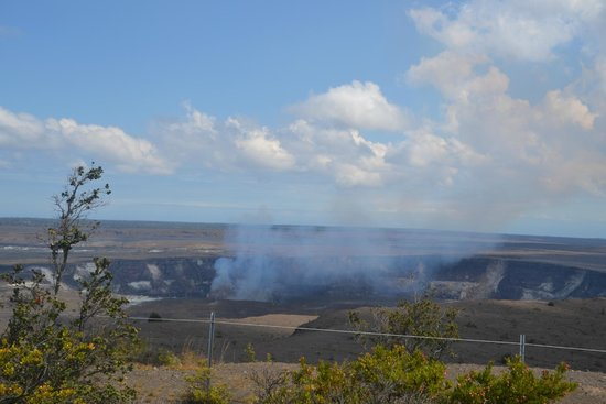 Thomas A. Jaggar Museum : Halema'uma'u Crater during the day