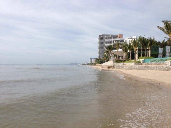 Yaiya Hua Hin: The beach