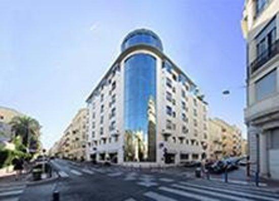 Goldstar Resort & Suites : Etablissement