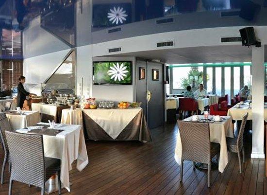 Goldstar Resort & Suites : Salle petit déjeuner