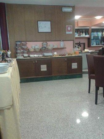 Hotel Raffaello Firenze: Colazione a buffet