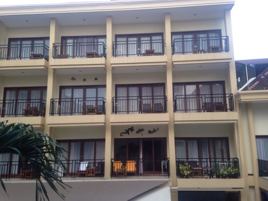 Kuta Townhouse Apartments : The rooms