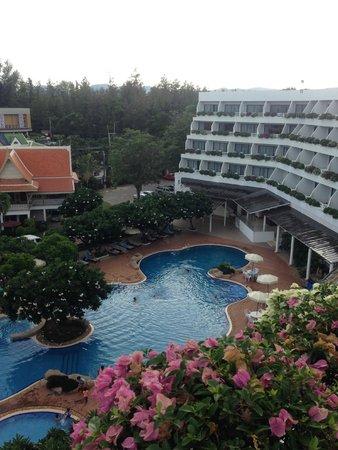 Cha-Am Methavalai Hotel: balcony view