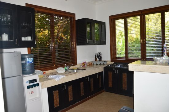 The Zen Villas: Kitchen