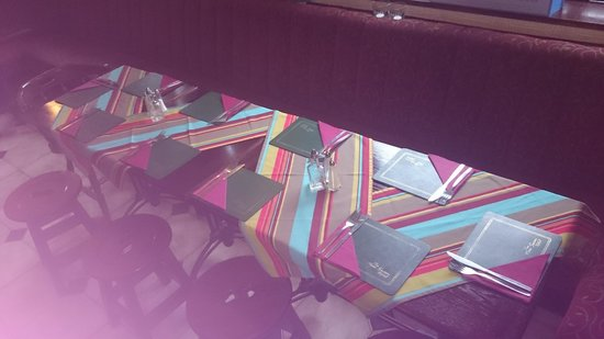 The New Swan Hotel: table setting