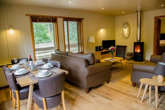 Pine Bank Chalets: Fintry