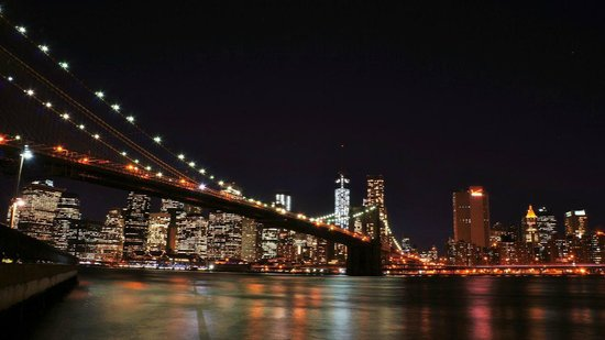 Manhattan Skyline : skyline and brooklyn bridge