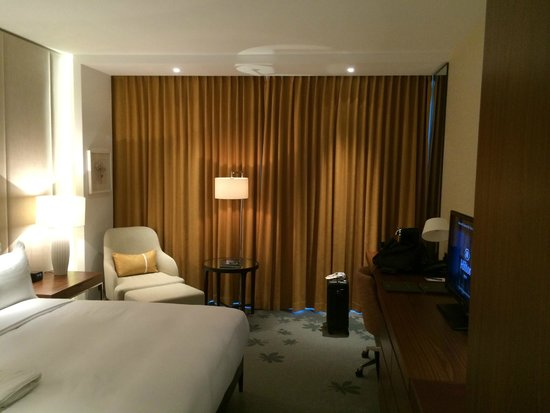 Hilton Kyiv: Sicht ins Zimmer (Executive King Bed Room)
