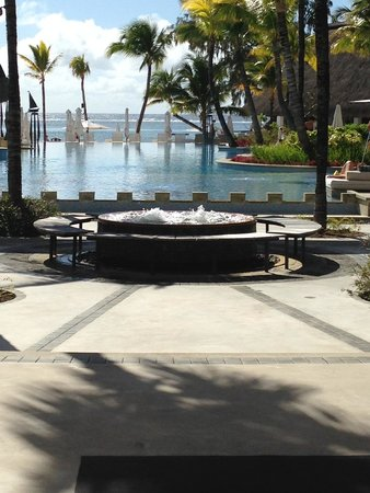 Ambre Resort & Spa: From the reception through to the sea