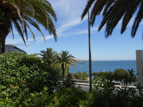 Estoril Eden Hotel : View from the swimming pool
