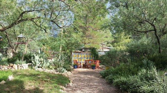 The Duquesne House Inn & Gardens : Garden view