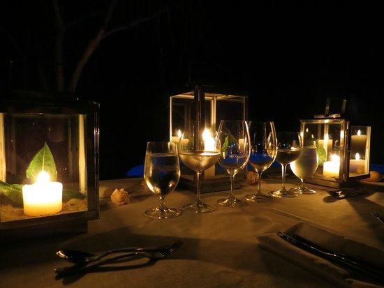 Paradise Bay Island Resort : Dinner