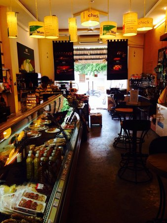 100% Alimentation Generale de Qualite: Fresh food and table to eat in friendly atmosphere