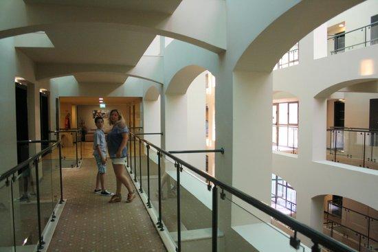 Limak Atlantis Deluxe Hotel & Resort : Zimmergebäude / Resort 4. Etage