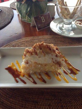 Tirta Ayu Hotel & Restaurant: Coconut Cake at Tirta Ayu - delicious!