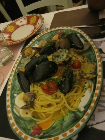 Le Gatte: linguine con i frutti di mare
