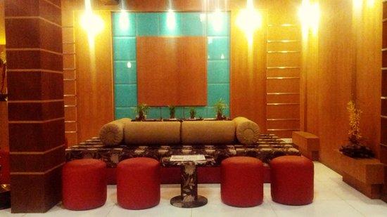 Hillview Munnar: Classic Lobby