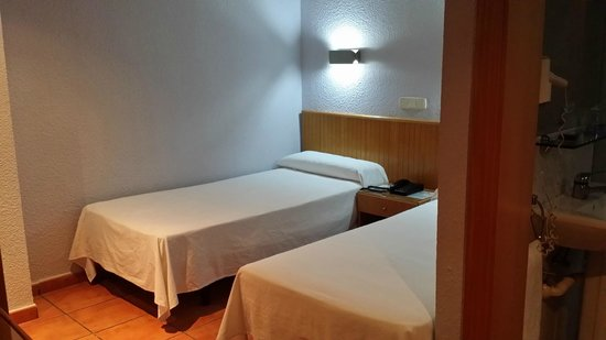 Mendez Nuñez: Beds were nice