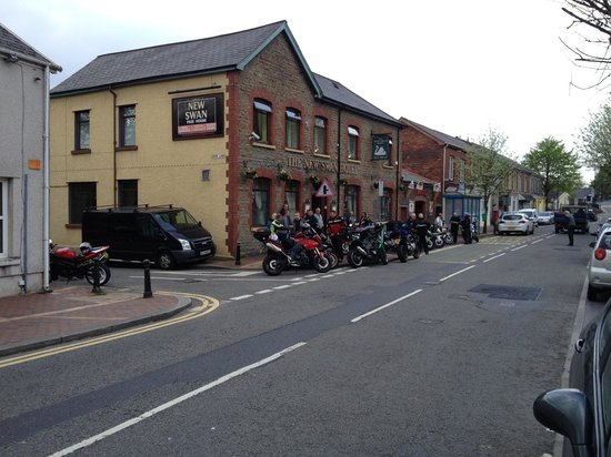 Ystalyfera, UK: bikes ready to go!