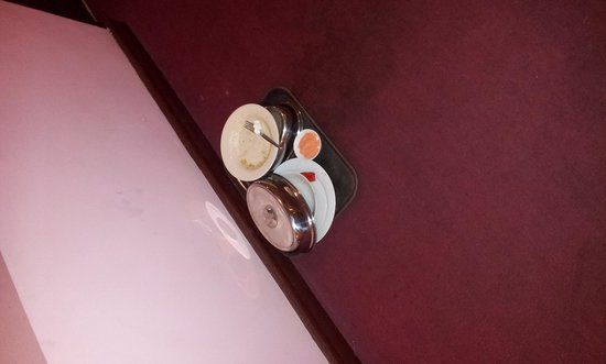 Great Eastern Hotel : guest leaves trays outside room, there until morning time