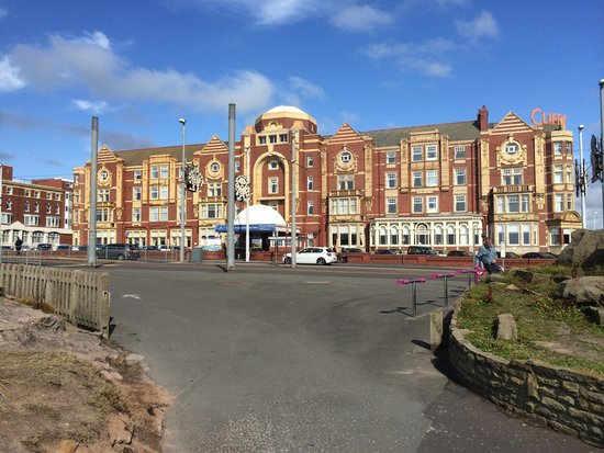 The Cliffs Hotel : The hotel exterior taken from Queens Promenade on the 15th August 2014.