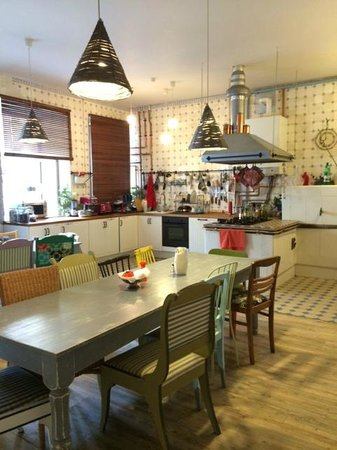 Soul Kitchen Junior Hostel: Kitchen