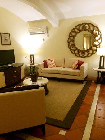 The House by Elegant Hotels: Livingroom