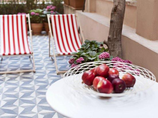 Casa di Bava Istanbul: garden terrace