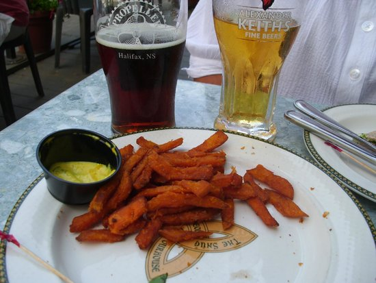 The Old Triangle Irish Ale House : Best sweet potato fries in town