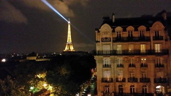 Hotel Duquesne Eiffel : Sparkling tower
