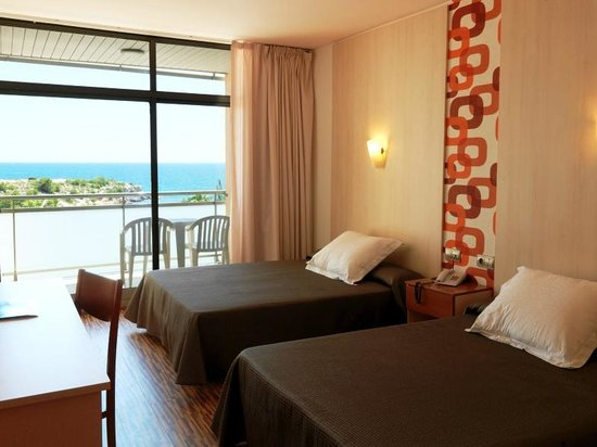 RV Hotel Ametlla Mar: Habitación