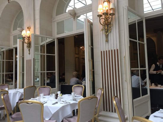 The Waldorf Hilton London: The opulent Dining Room.