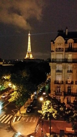Hotel Duquesne Eiffel: Our stunning view