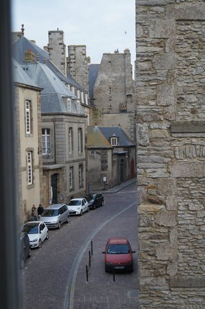 Hotel Elizabeth: A view of some ancient and not so ancient buildings in the beautiful St, Malo