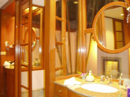 Banyan Tree Phuket: Double Sinks