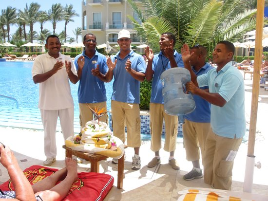 Premier Le Reve Hotel & Spa (Adults Only): The pool Band - Best Boy Band Ever !! x