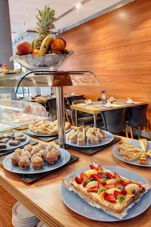 Barcelona Century Hotel: desayuno bufet
