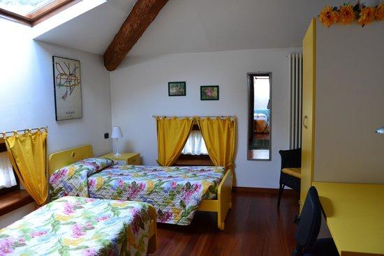Bed and breakfast Villa Gloria: twin room