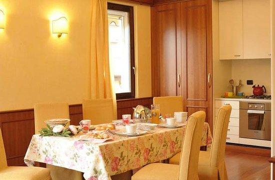 Bed and breakfast Villa Gloria: breakfast