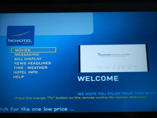 Novotel Auckland Airport: TV welcome